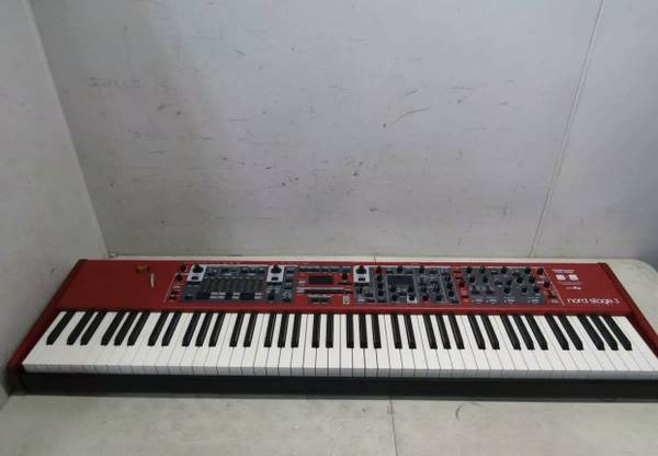 Photo Nord Stage 3 Hammer Action 88 - $2500