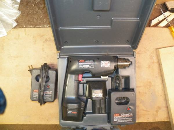 Photo Older Skil 12V drill (for parts or repair) - $5 (Knoxville)