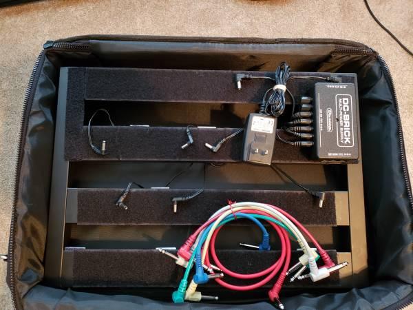 Photo Pedaltrain Classic Jr Pedal Board wBag Power Supply  Cables - $125 (Oak Ridge)