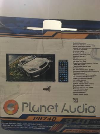 Photo Planet audio touchscreen CDDVDRadio player - $100 (Oak ridge)
