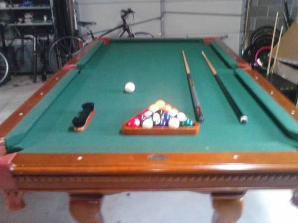Photo Pool Table With Bar stools and table - $350 (Maryville)