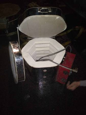 Photo Pottery and ceramic kiln - $300 (Knoxville)