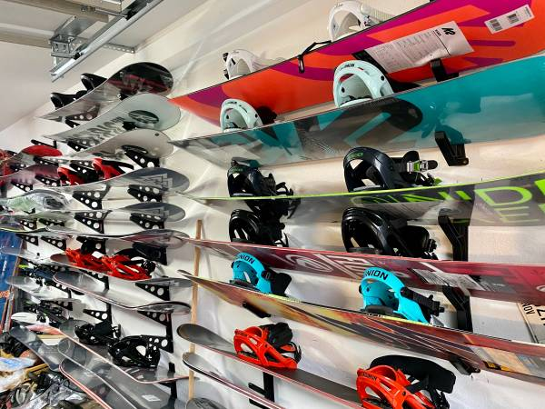 Photo SNOWBOARDS, BOOTS, BINDINGS ALL BRAND NEW ALL Sizes - $124 (Pigeon forge)