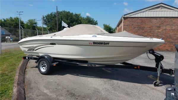 Photo Sea Ray 183 Bow Rider - $10,000 (Knoxville)