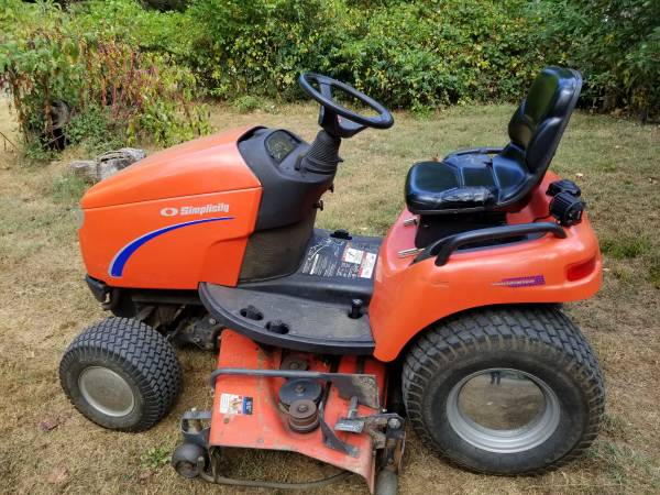 Photo Simplicity Legacy 20LC Tractor  Mower - $2100 (Morristown)