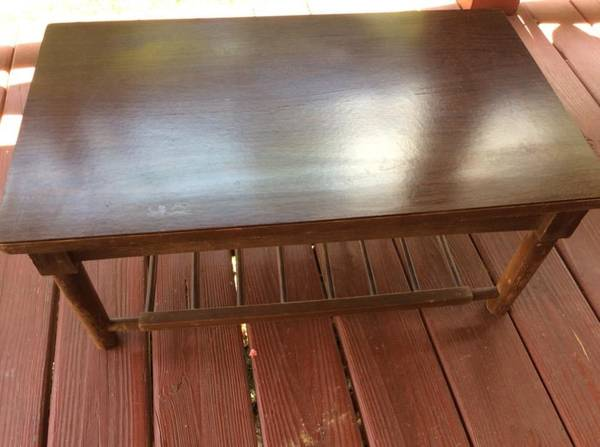 Photo Table, only 12 12 inches tall, 28 inches long, PROJECT PIECE, USED - $12 (Maryville)