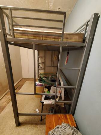Photo Twin Metal Loft Bed with Mattress - $90 (knoxville)