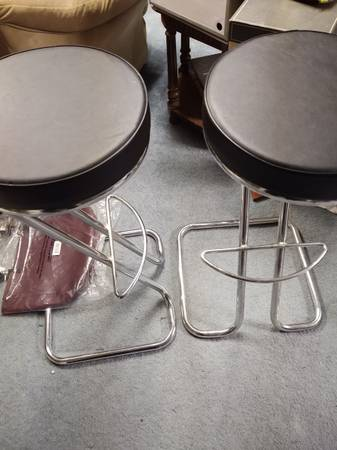 Photo Two Bar stools - $100 (Knoxville)