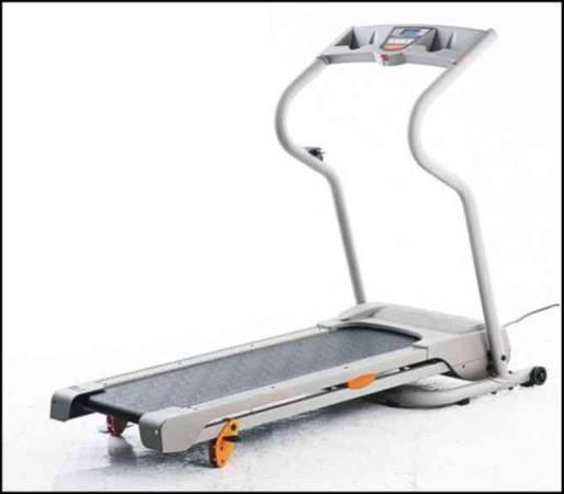 Photo WESLO G-30 Treadmill. Small Folding Unit - $105 (Maryville)