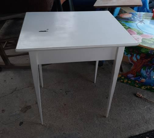 Photo White Desk - $30 (Maryville)