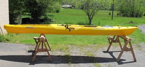 Photo Wilderness Systems Tarpon 140 Sit-on-top kayak - $825 (KNOXVILLE)