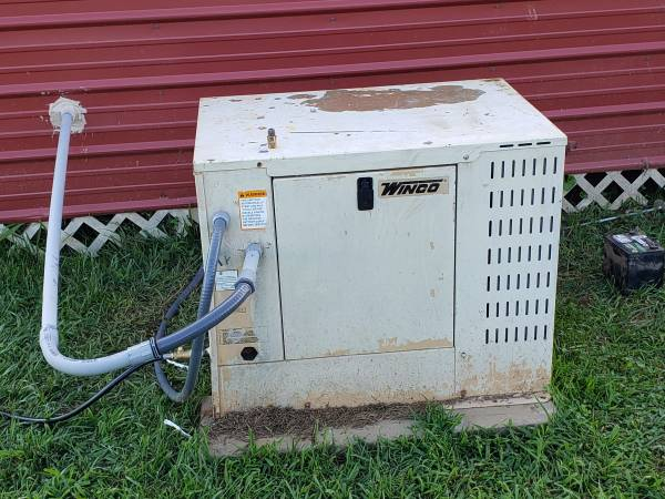 Photo Winco generator - $1,500 (LA FOLLETTE)