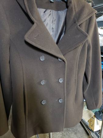 Photo Womens and junior girls winter coats (Knoxville)