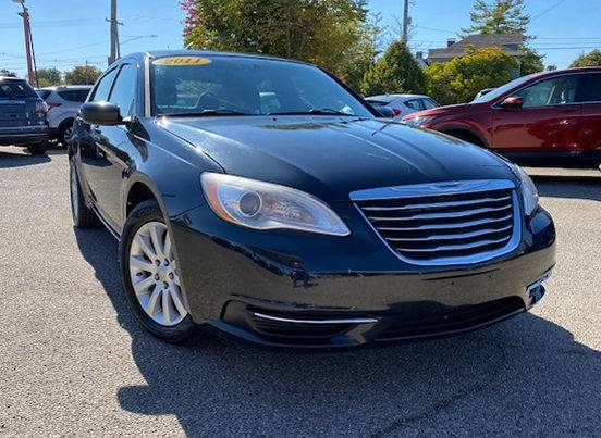 Photo 2011 Chrysler 200 Touring Sedan-Like New-Clean Carfax-88k Miles - $6,997 (Black Friday Sale Going on Now... was 8997)