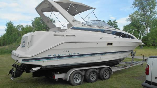 Photo Bayliner Ciera 2855 Cabin Cruiser with Tri Axle Trailer Boat Aluminim - $15,900 (La Porte, Indiana)