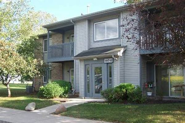 Photo Come and see what the fuss is all about at Canterbury House Apartm (Logansport)