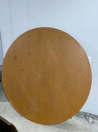 Photo Large round table top (Fishers)