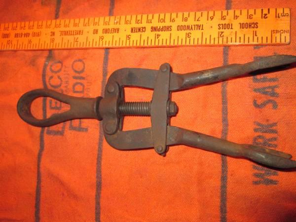 Photo Old Vlchek valve spring lifter - $25 (kokomo)