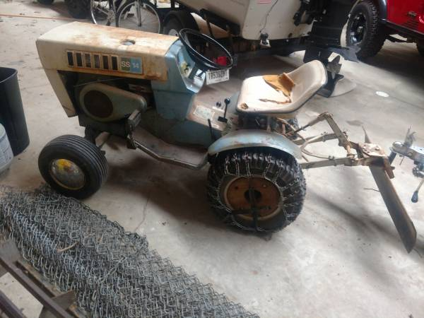 Photo Sears garden tractor - $1,000 (Kokomo)