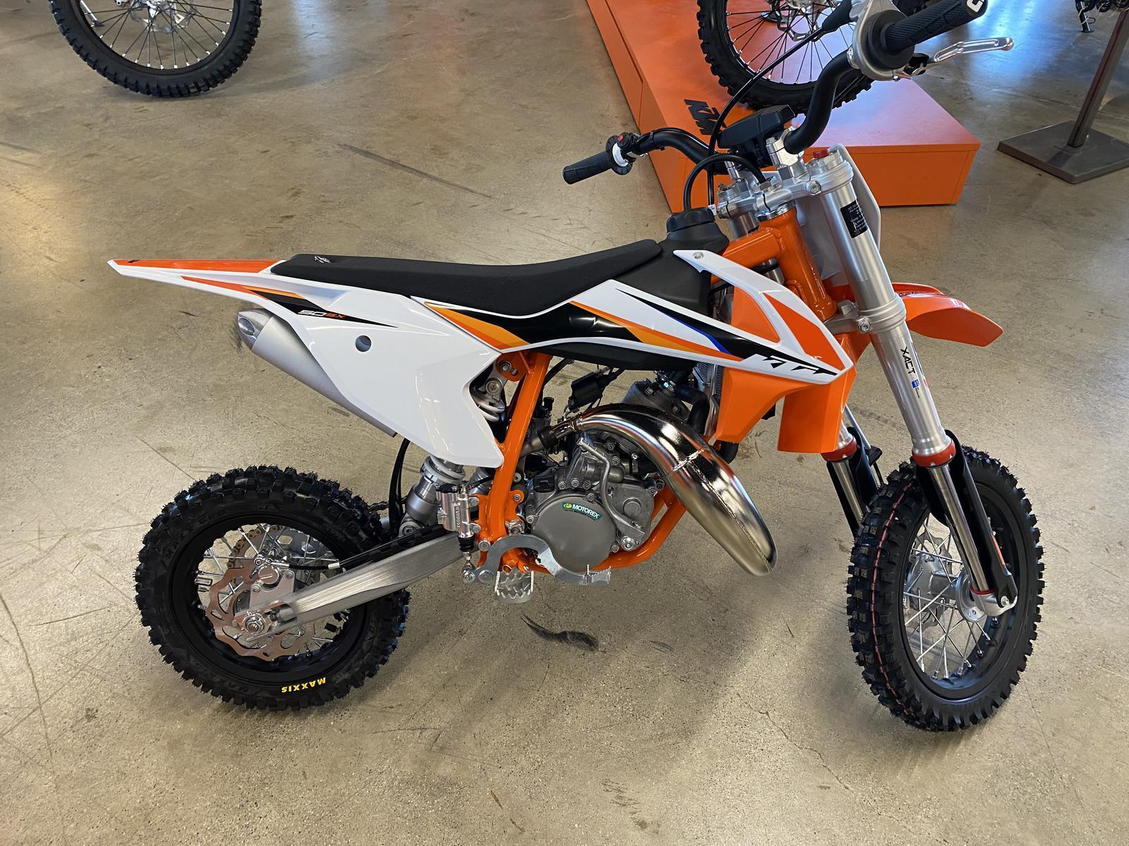 Photo 2022 KTM Dirt Bike Motorcycle  $4449