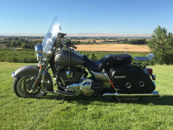 Photo 09 Harley Road King Classic - $9,300 (Prosser)