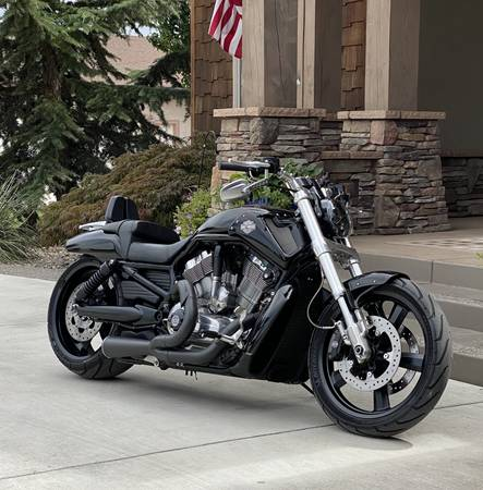 Photo 2011 Harley-Davidson V-Rod Muscle - $6,500 (Pasco, WA)