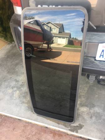 Photo 2014 Ford Truck Sunroof Glass - $125 (Pasco)