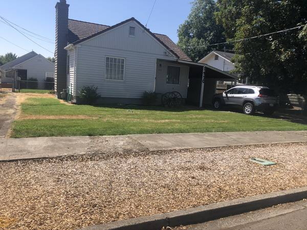 Photo 3 bed 1.5 bath and 1 bed 1 bath Income property