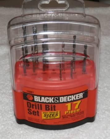 Photo Black and Decker Drill Bit Set - $8 (kennewick)