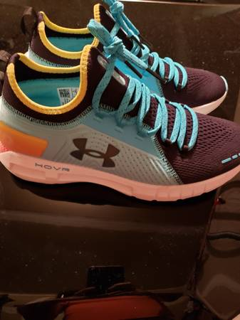 Photo Brand New Under Armor HOVR Running shoes - $100 (Walla Walla)