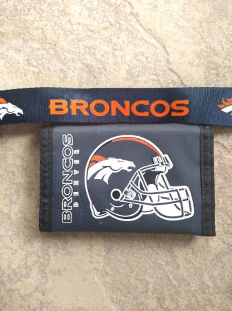 Photo Denver Broncos lanyard and wallet - $5 (West Pasco)
