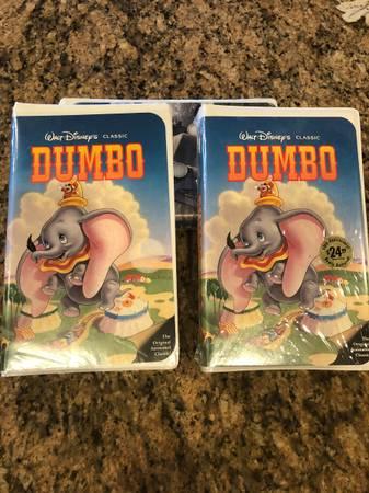 Photo Dumbo, Disney VHS tape - $100 (Cashmere)