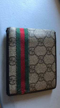 Photo Gucci wallet - $150 (Richland)
