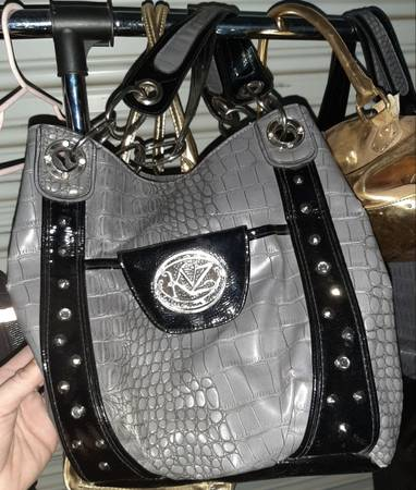 Photo Kathy Van Zeeland purse - $45 (Pasco)