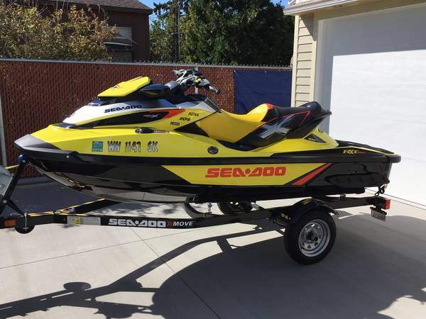 Photo Late 2015 SEA-DOO RXT-X 260 JET SKI WAKE PRO Options - $8900 (Tri-Cities)