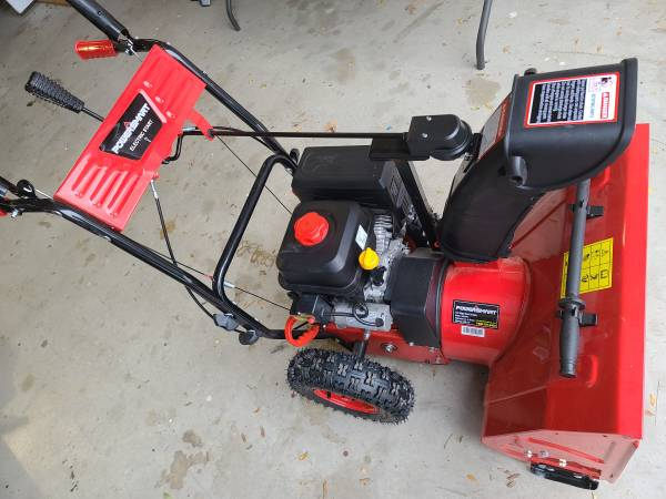 Photo New, Never Used, 24quot 2 Stage Snow Blower Electric Start Snowblower - $575 (Richland)