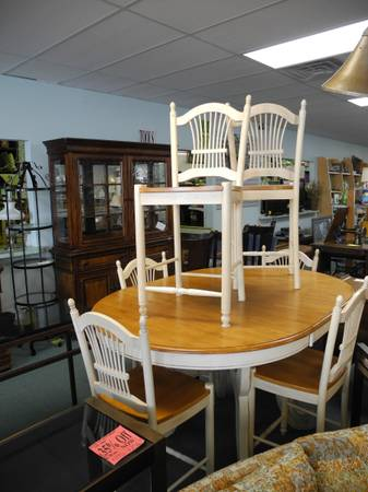 Photo Off White, Farmhouse Look, Dining Set with Butterfly Leaf  6 Chairs - $550