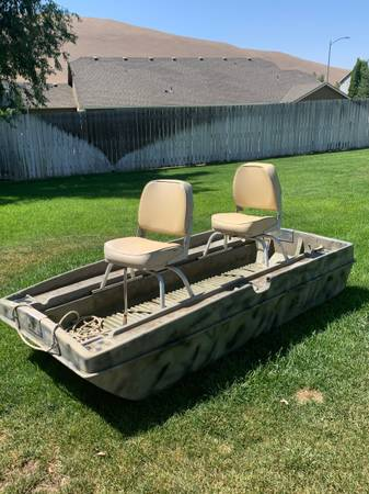 Photo Pelican Boat - $550 (West Richland)