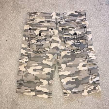 Photo Rock Revival Men39s Camo Shorts Size 32 - $50 (Connell)