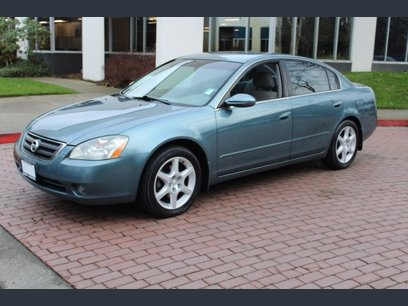 Photo Used 2002 Nissan Altima 3.5 SE for sale