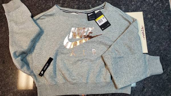 Photo WOMENS NIKE AIR RALLY CREW SWEATSHIRT - $30 (Pasco)