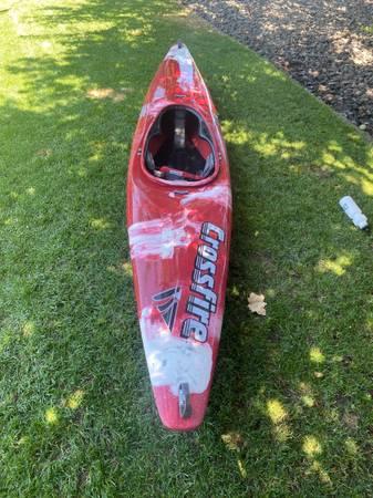 Photo White water kayak - $100 (Kennewick)