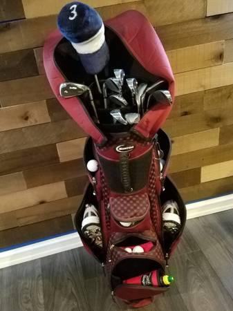 Photo Women39s Golf Club Set w Burton Bag and Hippo Power Strike Driver - $175 (Kennewick)