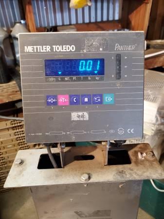 Photo mettler toledo scale - $300 (kpr)