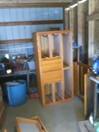 Photo solid oak dresser with mirror assembly - $150 (304 east 7th,,kennewick wash)