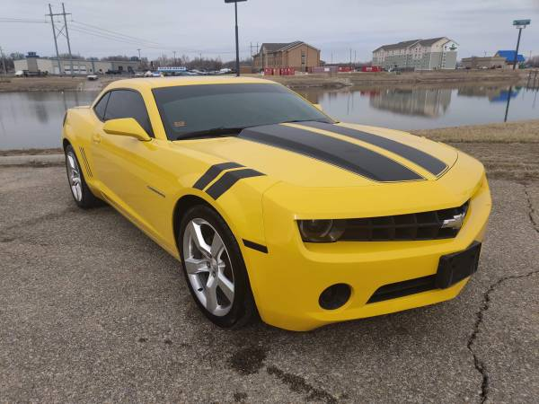 Photo 2012 CHEVY RS CAMERO YELLOW - $13995 (Junction City)