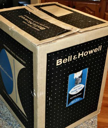 Photo Bell and Howell Model 346 Super 8mm Autoload Projector This projector - $145 (Bell and Howell Model 346 Super 8mm Autoload Projector)