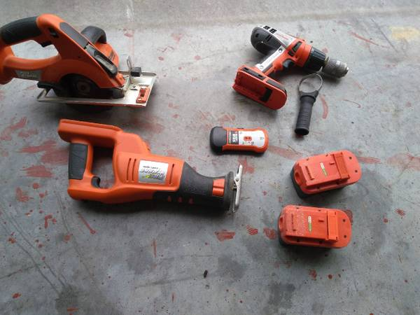 Photo Black and Decker 24 volt power tool set - $100 (Milford)