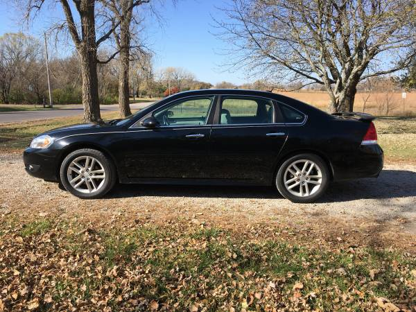 Photo CHEVY IMPALA LTZ 2012 BLACK RUNSDRIVES GREAT VERY NICE DEPENDABLE CAR - $5,500 (WEST TOPEKA)