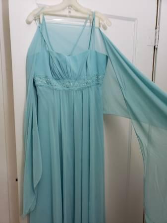 Photo Formal Dress w Wrap - Size 12 - $100 (MANHATTAN)